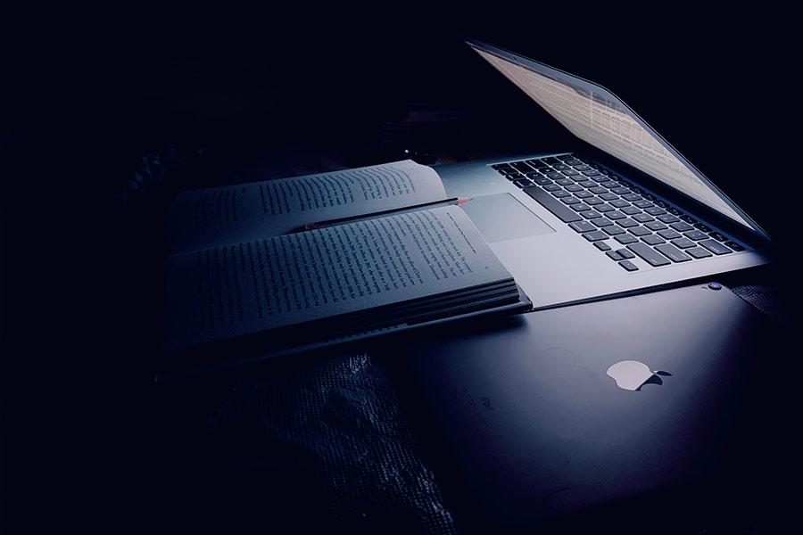 Ordenador portátil/trabajo nocturno